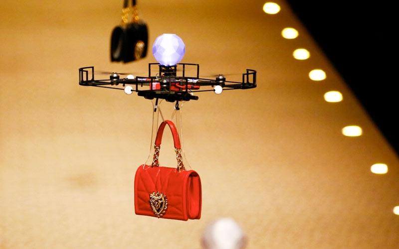 sfilata dolce e gabbana 2018 con i droni